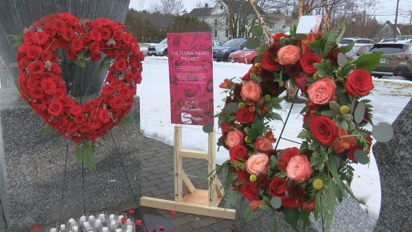 Ellsworth residents lay wreaths in honor of COVID-19 victims